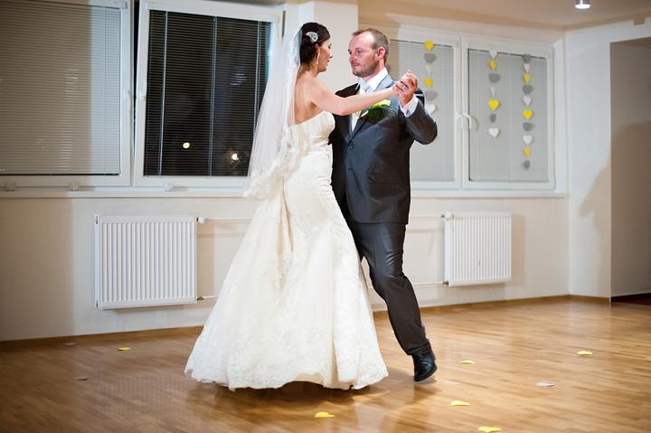 Eliška{{_AND_}}Miško - prvý manželský tanec :D