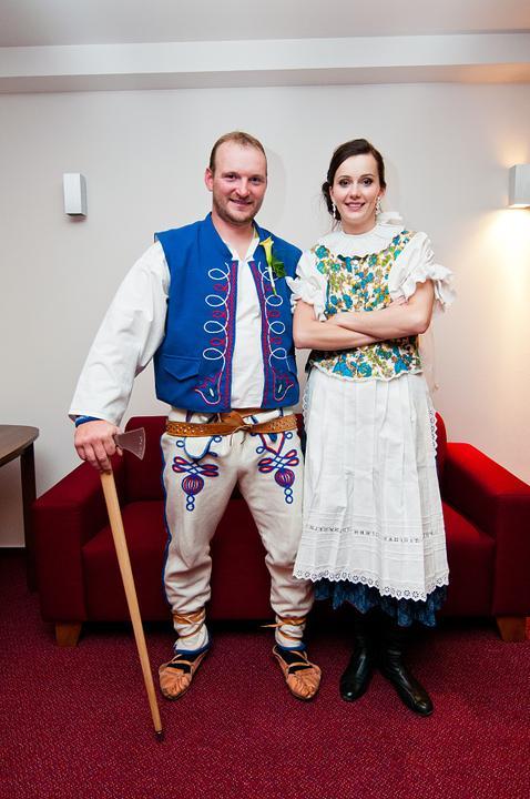Eliška{{_AND_}}Miško - aj kroje boli