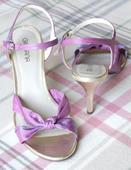 Zlaté a fialové sandále, 39