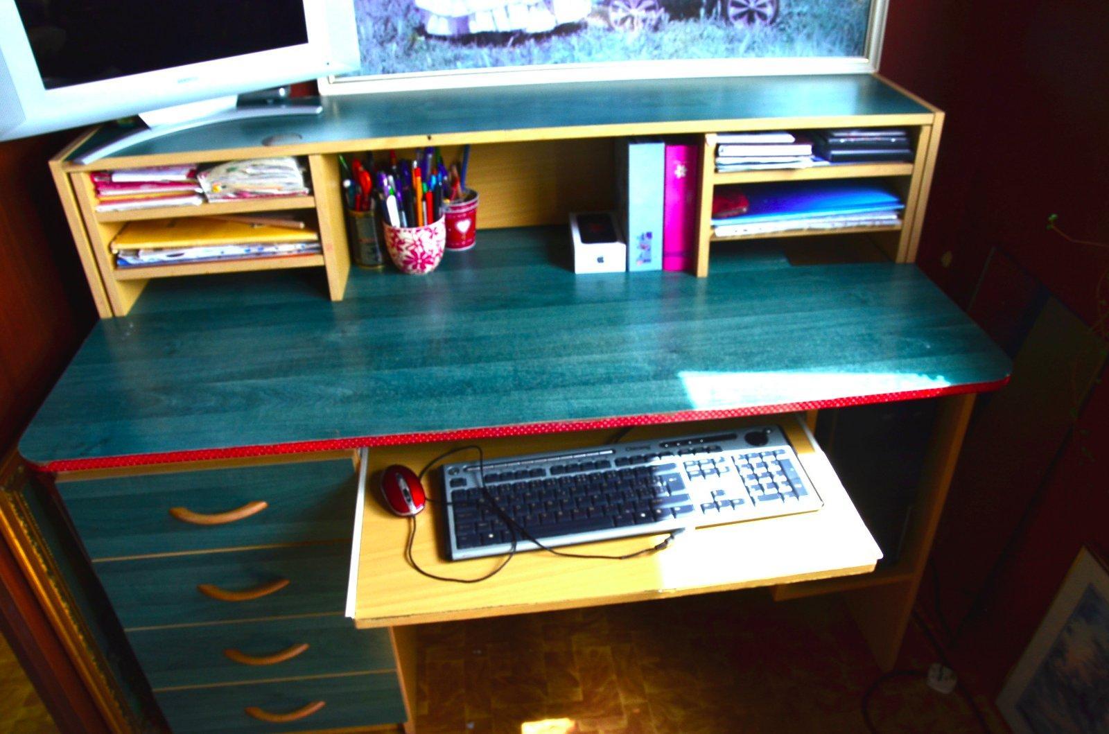 písací stôl - Obrázok č. 2