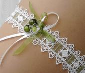 Svatební podvazek bílo - zelený, M