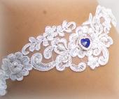 Svatební podvazek krajkový modré srdíčko, M
