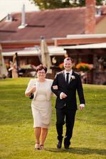 Keď som uvidela tuto fotku som sa nevedela vynadivat, to su tie zábery a udalosti, ktore my nevesty vidime az na foto a video a je to uzasne vidiet po svadbe :-)