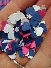 minisrdíčka ze zbytků papíru, takové konfetky z nich jsou :)