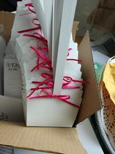 Oznámení v obálkách, pár košíčků nachystáno na první várku koláčků.