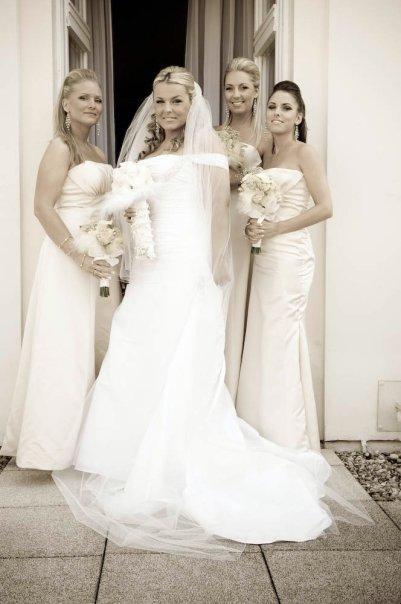 Petra Moravcikova{{_AND_}}Venkatesh Naik - Moje krasne druzicky(Hannah, Natalia a Jessica)