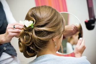 Nádherný účes jedné slovenské nevěsty, tak nějak bych si to představovala taky