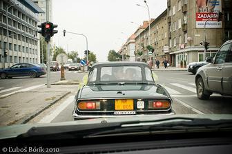 ...az teraz som si vsimla, ze tam je dalsie svadobne auto :-))))))