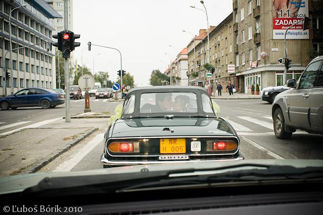 B{{_AND_}}D - ...az teraz som si vsimla, ze tam je dalsie svadobne auto :-))))))