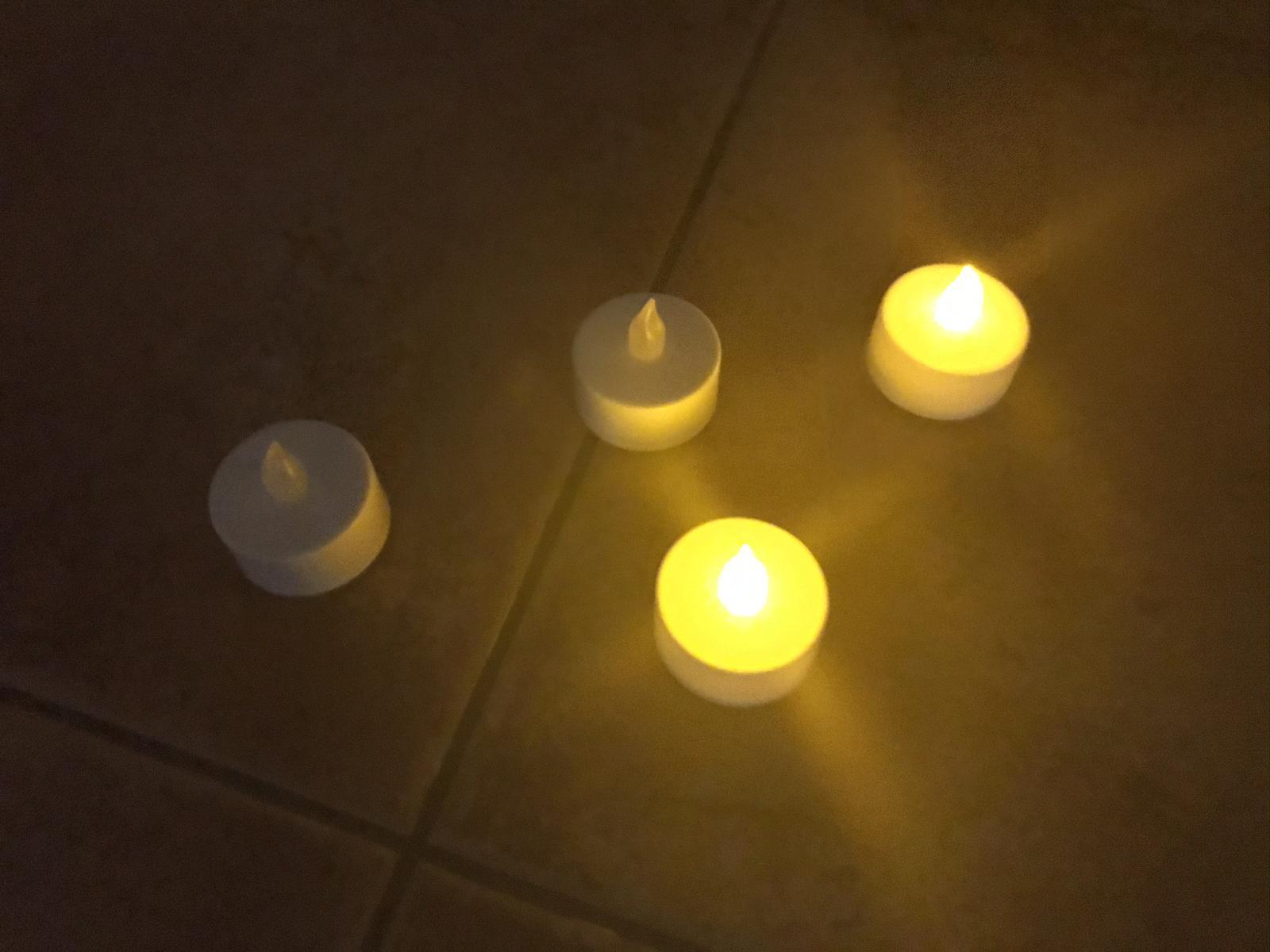 LED čajové svíčky s efektem hoření - PRODÁNO  - Obrázek č. 2
