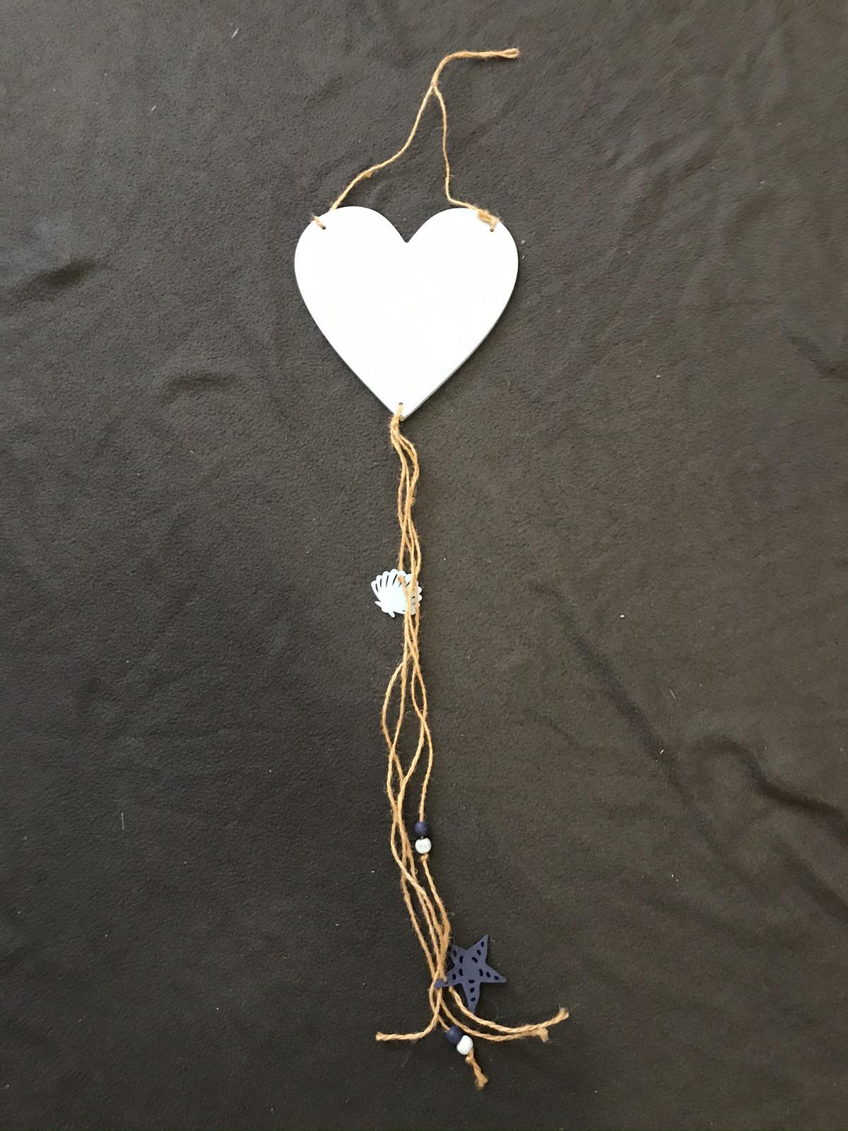 Zavěsitelné dřevěné modré srdce s motivy moře - Obrázek č. 1