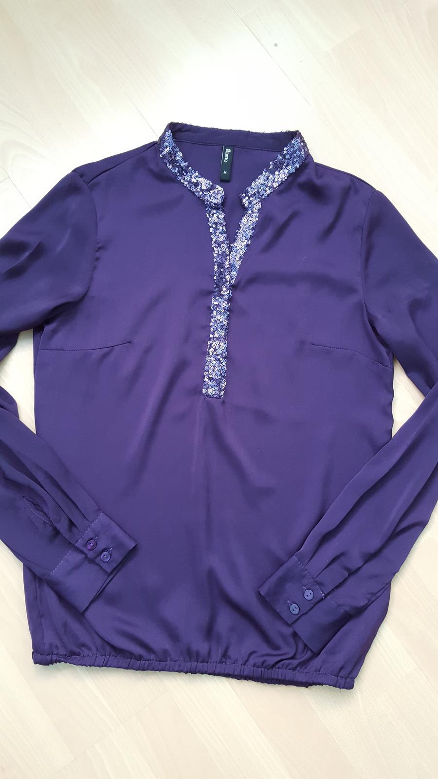 Tmavě fialová jemná halenka zn. Flame - Obrázek č. 1