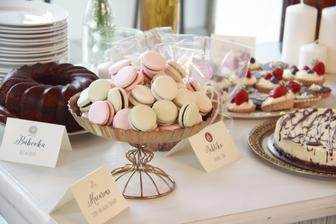 "Zakusky a kolaciky pripravi uzasna Zuzka z Pink cakery, a bude ich dost, aby si z nich potom nasi hostia vzali ako ""vysluzku"""