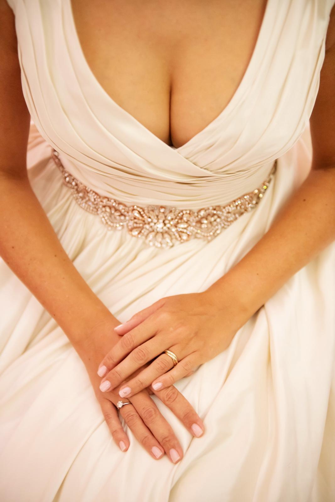 Alexandra{{_AND_}}Dávid - Manikura bola jemnucka, len na lavom prstenniku som mala malicku rose gold hviezdicku.