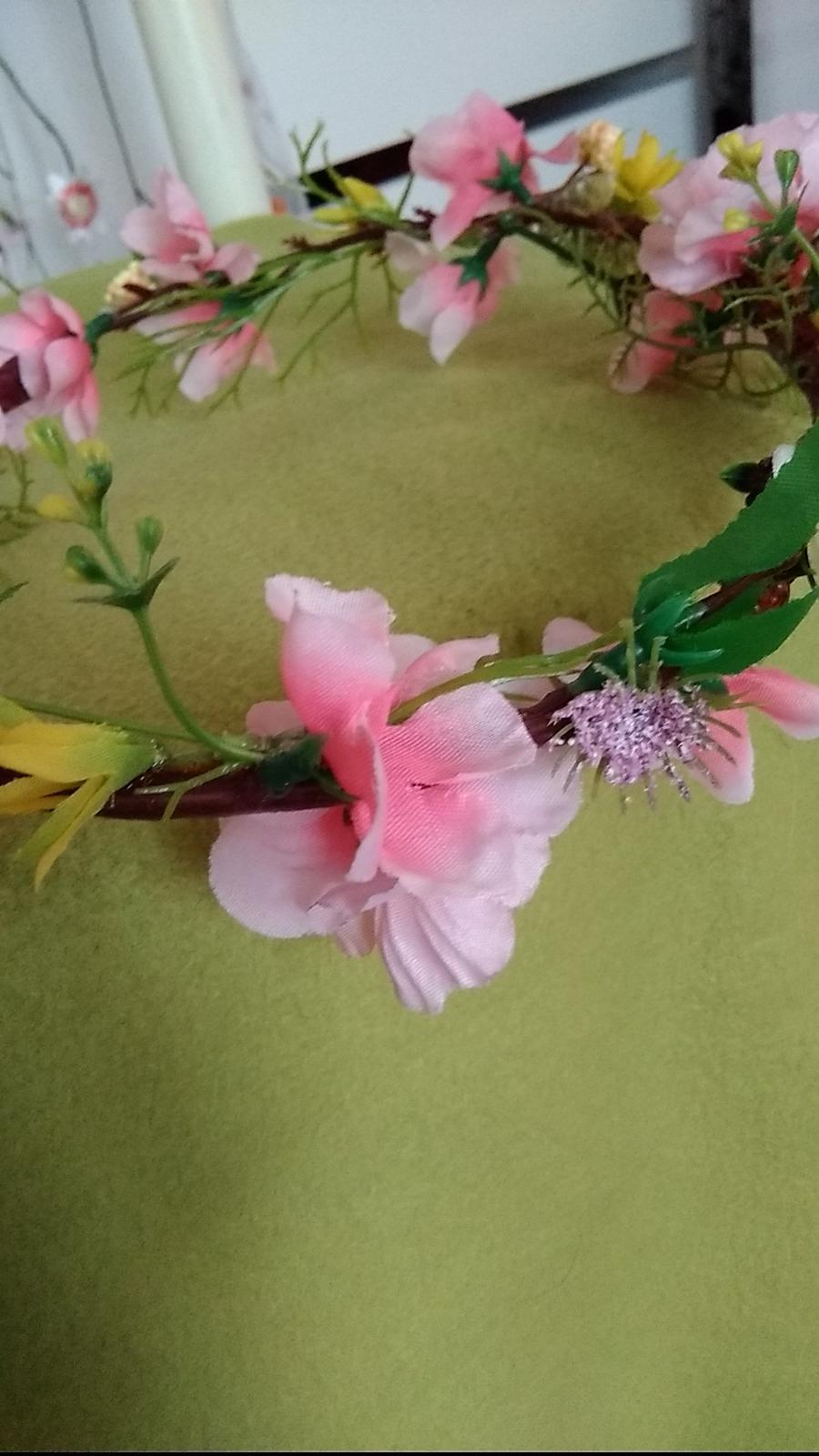 Kvetovany venček - Obrázok č. 1