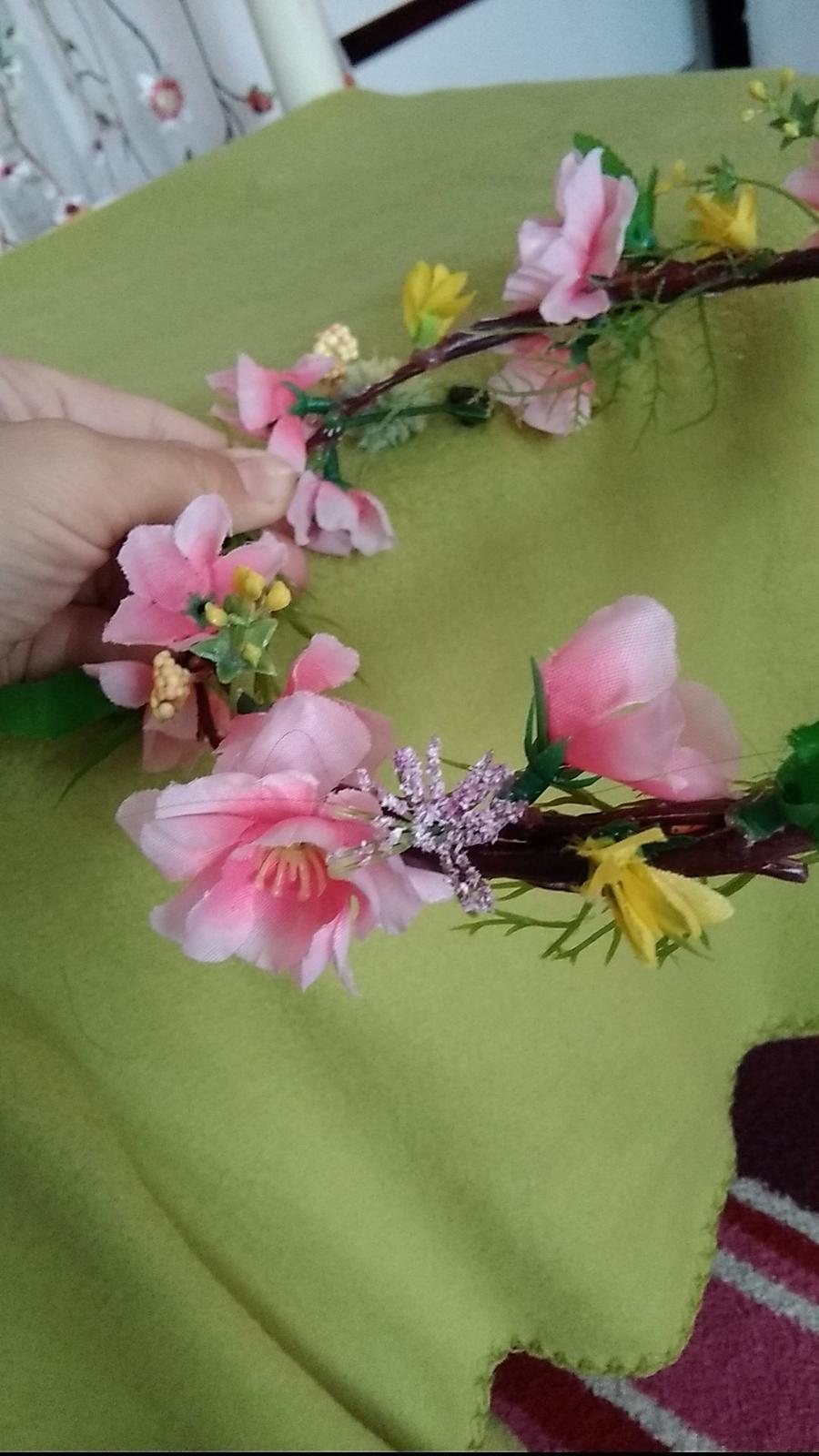 Kvetovany venček - Obrázok č. 3