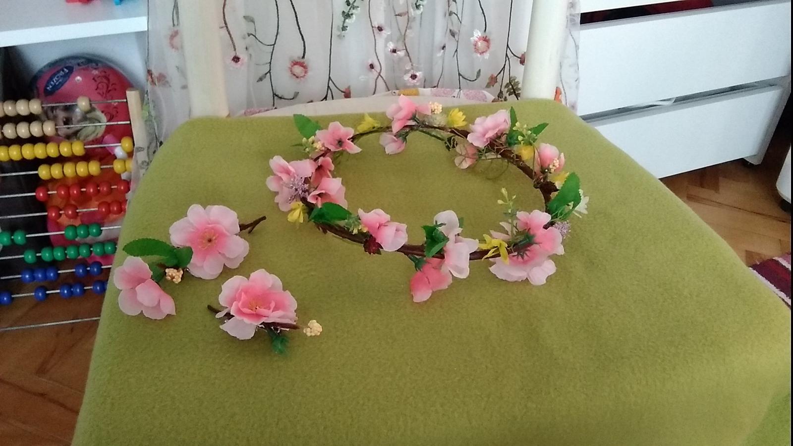 Kvetovany venček - Obrázok č. 2