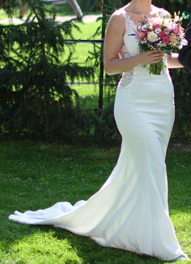 luxusní krajkové svatební šaty - Obrázek č. 1