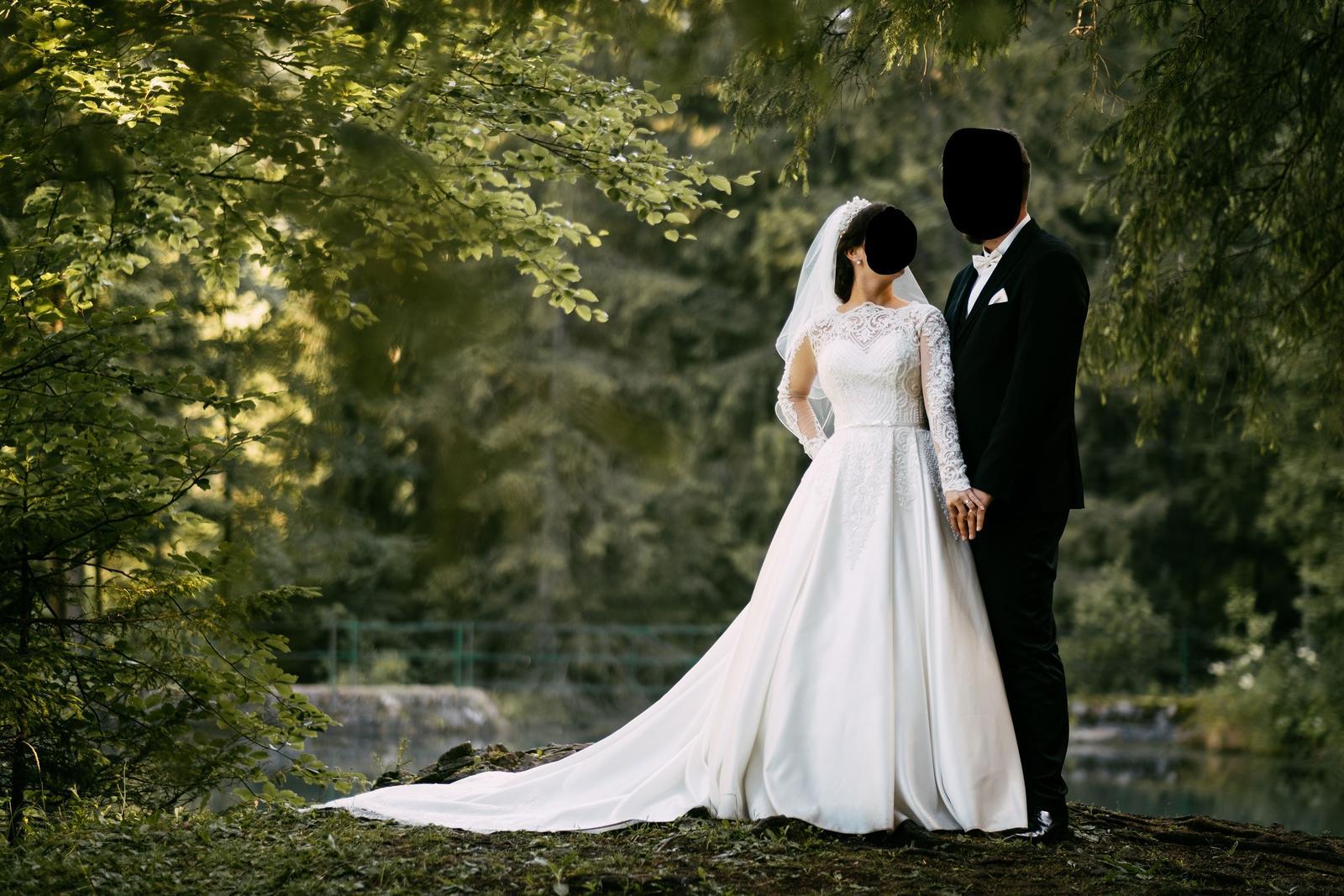 Kráľovské svadobné šaty IRIAN SAM - Obrázok č. 1
