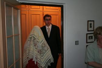 Brácha přivádí falešnou nevěstu