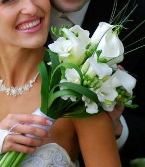 M + P představy a skutečnost, smetanovo - bílá svatba - Moc hezká vazba kytičky