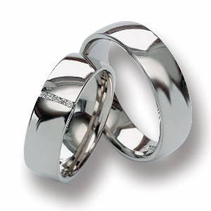 Svadba 29.8.2009 - zatiaľ náš kompromis.