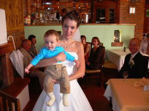 s nejmladším svatebčanem Vítkem
