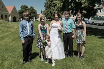 Všichni moji sourozenci a já:-) Poprvé jsme na jedné fotce a všichni pohromadě.