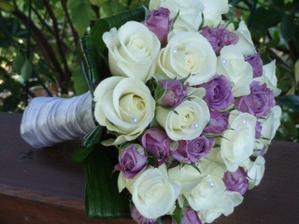 pěkná kytka i s fialovou