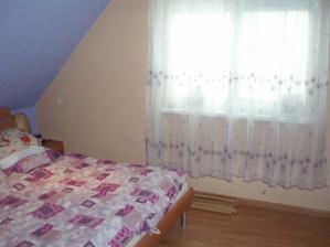 A nová záclona v spálni