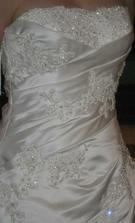v skutočnosti ešte krajšie ako na fotke :-) po svadbe na predaj!!!