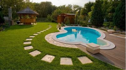 bazén nemôže chýbať!!! :-)