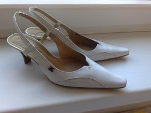 ...svatební botičky už rozcházím 3 měsíce...