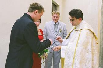 ženich s panem farářem