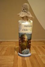 alkoholová fľaša s fotkou krásnej rodinky :)