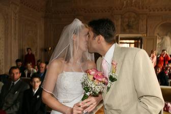 . . . Novomanželská . . .