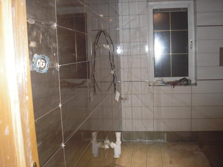 Kúpeľňa - a zajtra začíname robiť podlahu