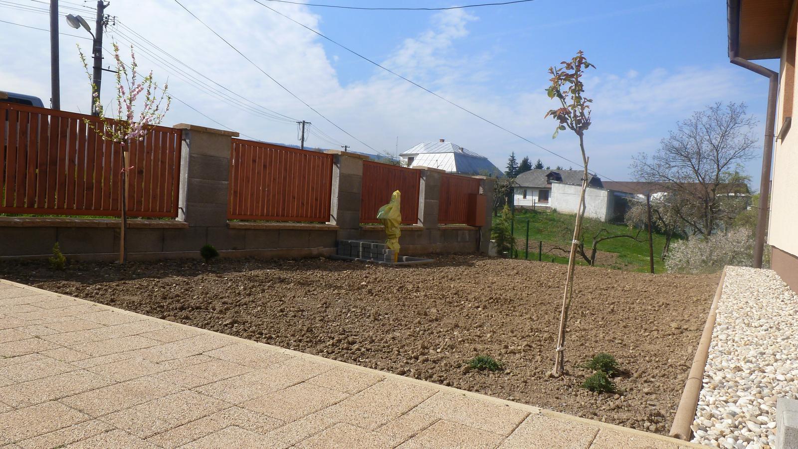 Náš dvor a záhrada 2014 - Obrázok č. 3