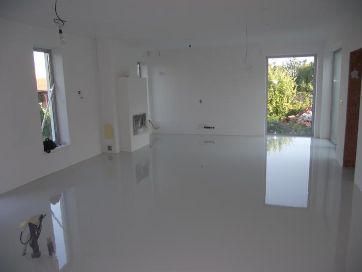 DM House - 22.6.2012 epoxidová podlaha vyliata