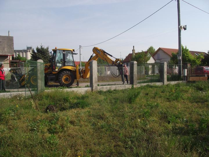 DM House - 30.04.2011 Tu bude pracovný vjazd na pozemok ...