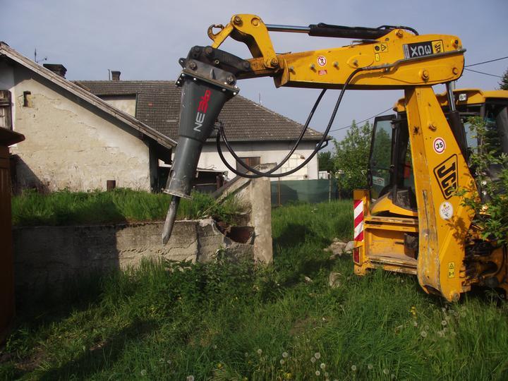 DM House - Aj stroj bojuje...