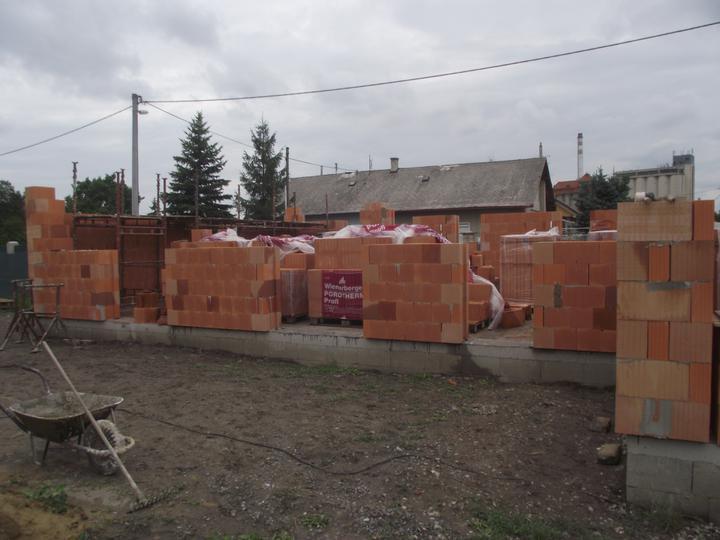 DM House - 23.07.2011 Naberá to reálne kontúry