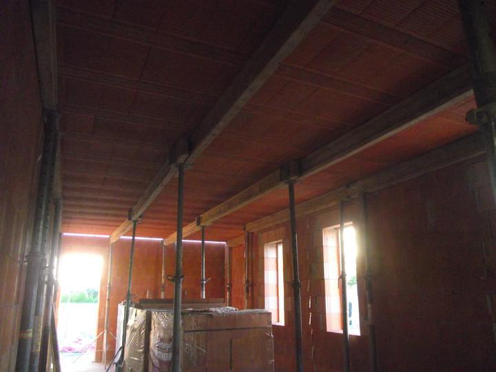 DM House - 21.08.2011 a takto to vyzerá z dola