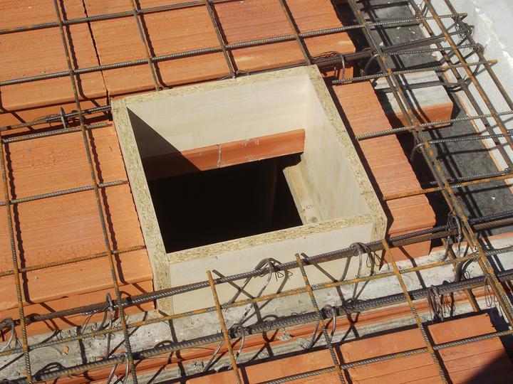 DM House - 3.09.2011 ani na otvor pre komín od krbu sa nezabudlo