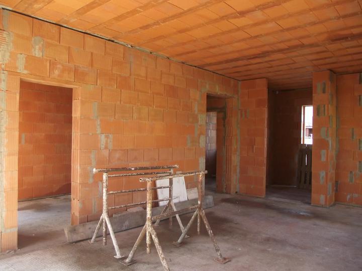 DM House - 9.10.2011 priečky sú hotové