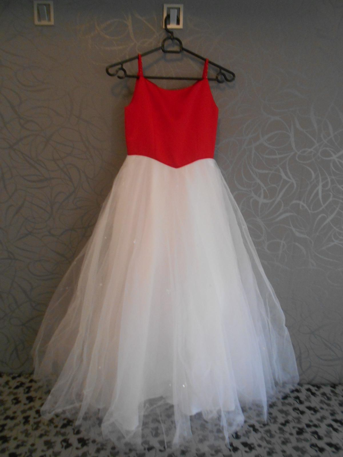 krásné šaty - Obrázek č. 1