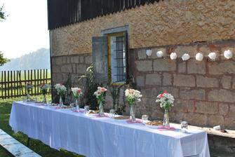menší rodinná oslava naší utajené svatby na krásné hájence