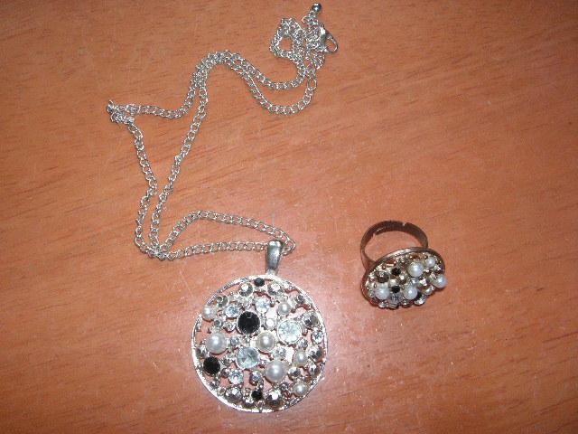 náhrdelník + prsteň - Obrázok č. 1