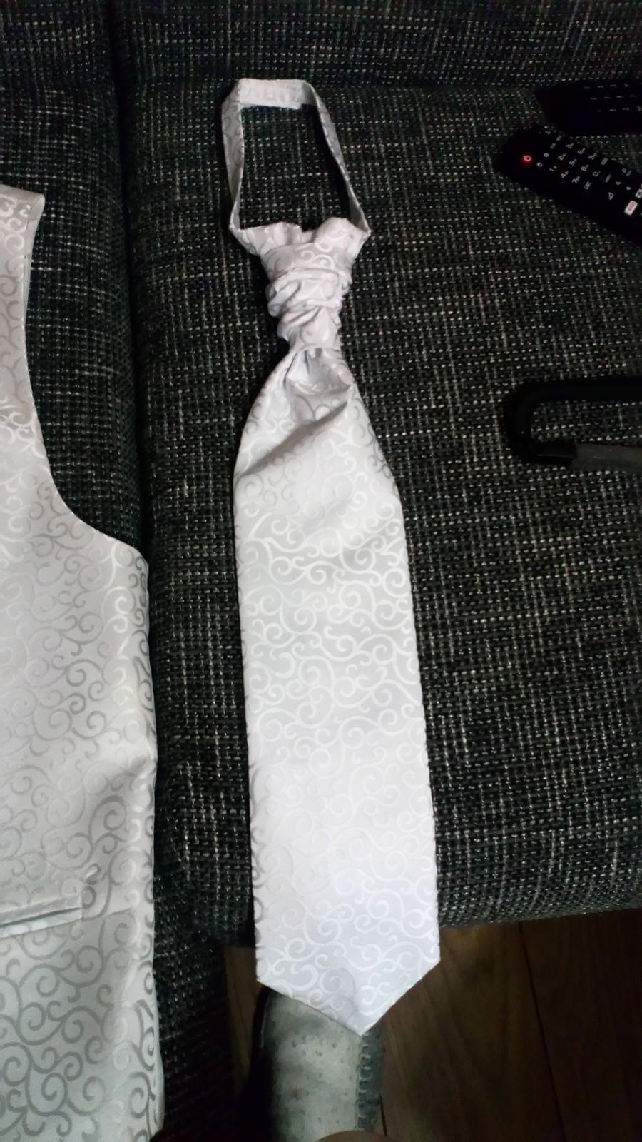 Vesta a kravata na predaj PAVANNA - Obrázok č. 3