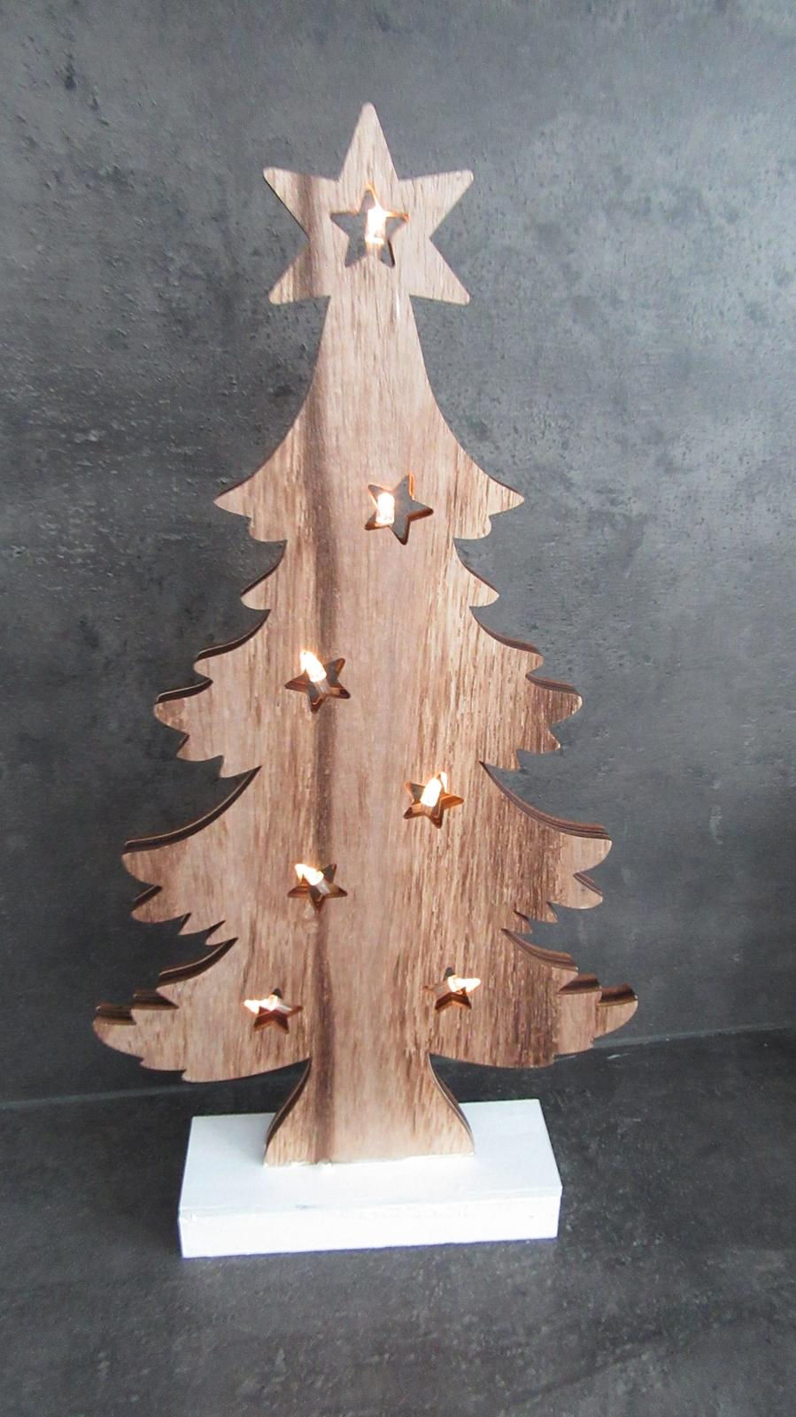 drevený stromček s LED svetielkami - Obrázok č. 2